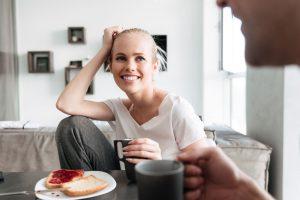 Bemerode, Privatkunden, Private Rentenversicherung, Sofortrente, Rürup-Rente, Riester-Rente, Private Rentenversicherung, Versicherungsmakler, entspanntes Paar, Rente, Kochen