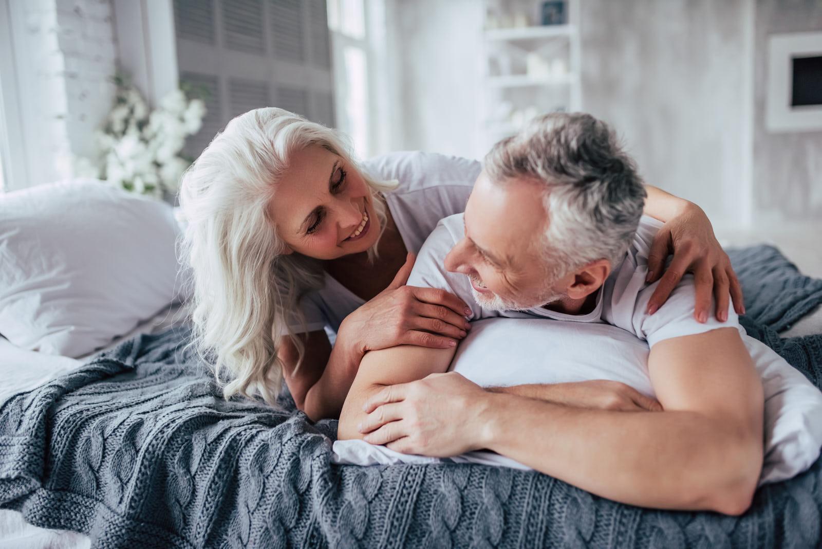 Bemerode, Privatkunden, Sofortrente, Rürup-Rente, Riester-Rente, Private Rentenversicherung, Versicherungsmakler, entspanntes Paar, Rente, Kochen